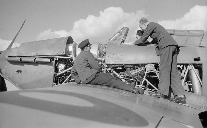 Чешские пилоты эскадрильи №310 в Даксфорде. 1940 г.