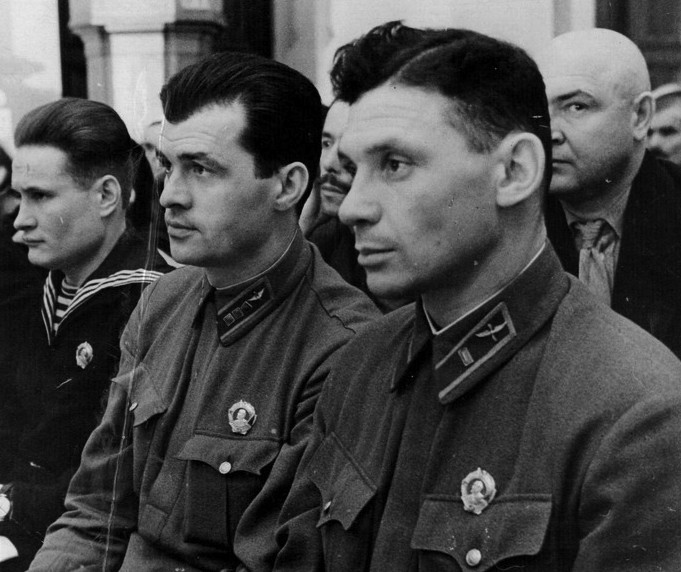Старший лейтенант Владимир Коккинаки и капитан Степан Супрун. 1938 г.