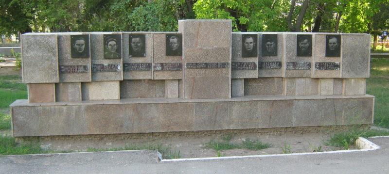 ст-ца. Клетская. Братская могила советских воинов.