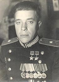 Дважды Герой Советского Союза генерал-майор танковых войск Фомичев. 1945 г.