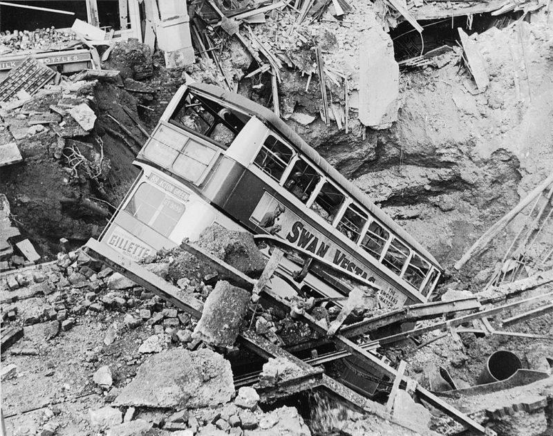 Разрушения в Лондоне. 1940 г.