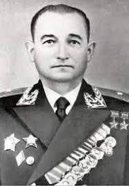 Дважды Герой Советского Союза генерал-майор авиации Челноков. 1949 г.