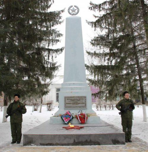 ст-ца. Кумылженская. Братская могила воинам, погибшим в годы Гражданской войны и воинам погибшим, в дни Сталинградской битвы.