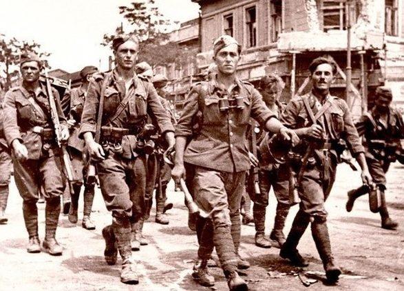 Солдаты СС в Таганроге. Октябрь 1941 г.