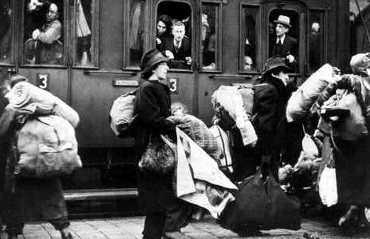 Отправка депортированных с Прибалтики.