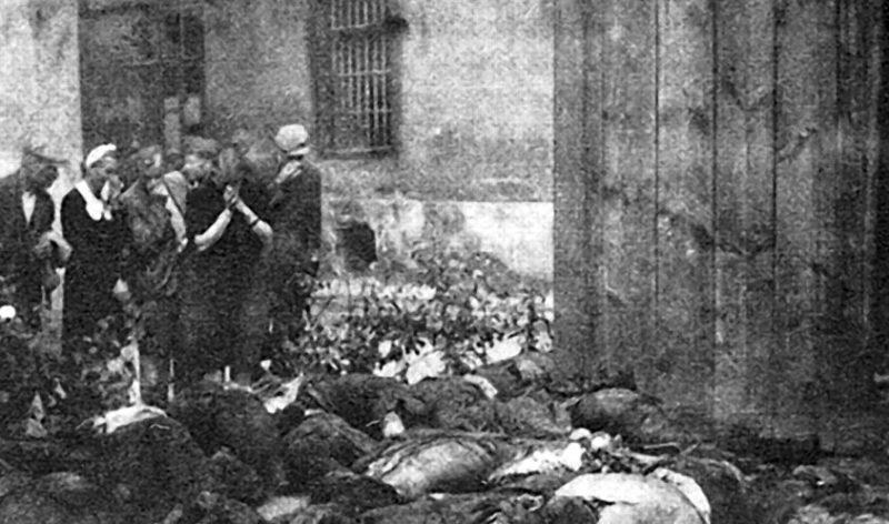 Тела заключенных тюрем Львова, расстрелянных НКВД, перед отступлением Красной Армии.