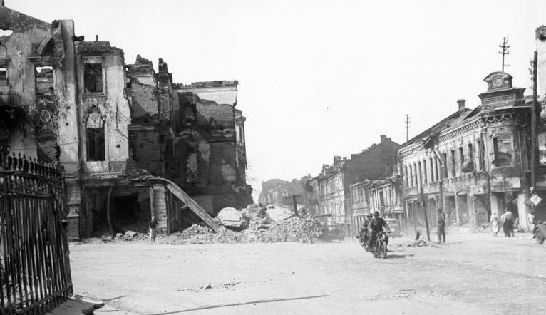 Результаты немецких бомбардировок Минска.