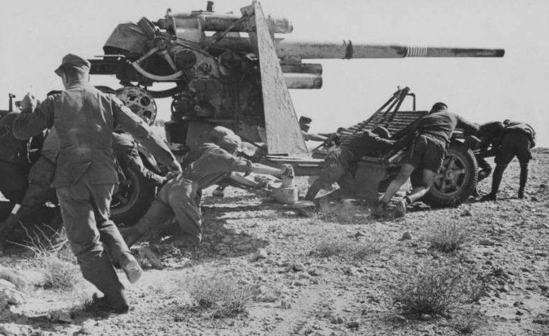 8,8-см зенитное орудие FLAK-36 разворачивают против танков.