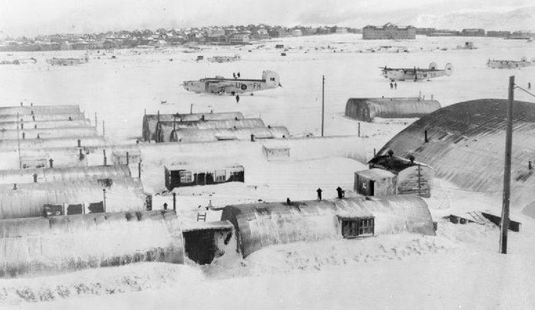 Американская авиабаза в Исландии.
