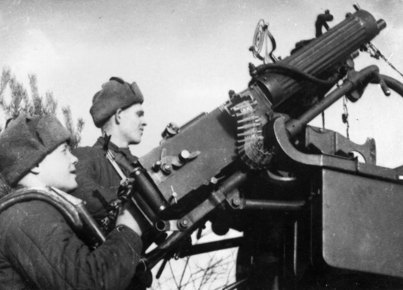 Советские зенитчики в районе Ржева. Октябрь 1941 г.