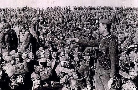 Советские военнопленные на Украине.