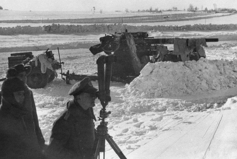 Немецкие артиллерийские позиции юго-западнее Ржева. Февраль 1942 г.