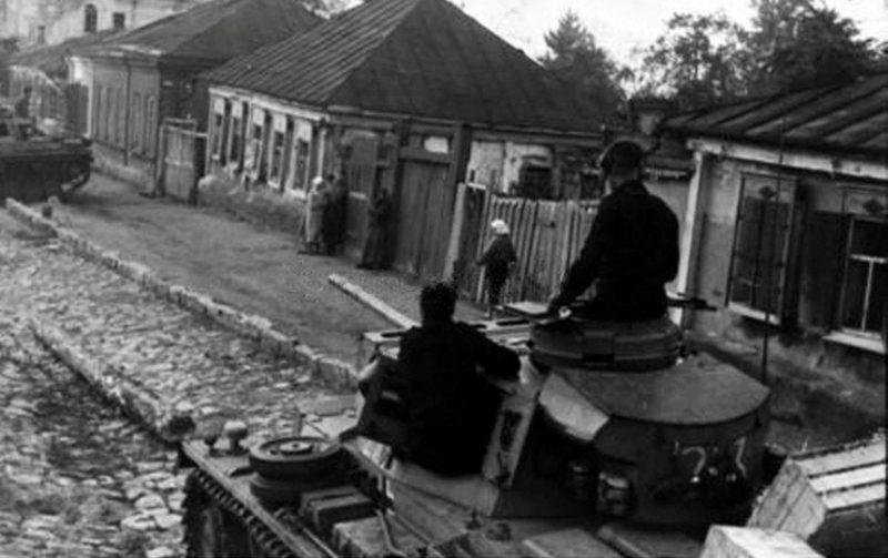 Немецкие танки на Гусиновке. Июль 1942 г.