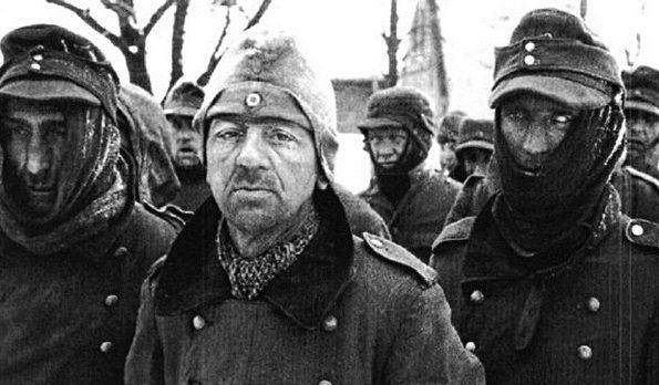 Пленные немецкие солдаты под Сталинградом. 1943 г.