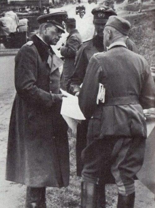 Генерал Гудериан в Рославле. Ноябрь 1941 г.