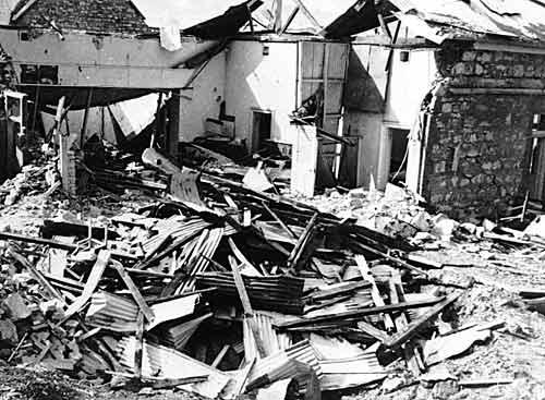 Руины Дарвинского почтового отделения после авианалета. 19 февраля 1942 г.