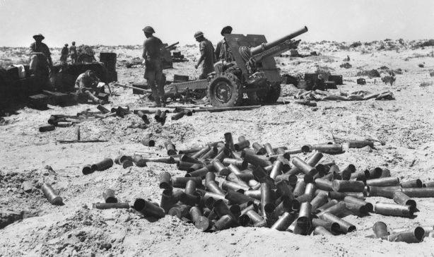 Австралийская полевая батарея в Эль-Аламейне. Июль 1942 г.