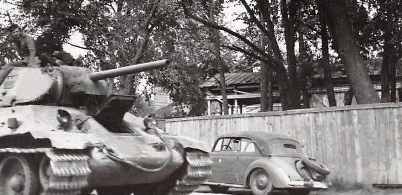Трофейный танк. Лето 1942 г.