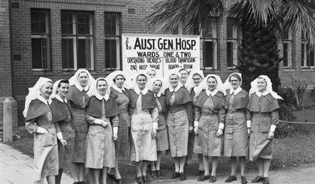 Группа сестер AANS, вернувшихся с Гилфорда. Сентябрь 1942 г.
