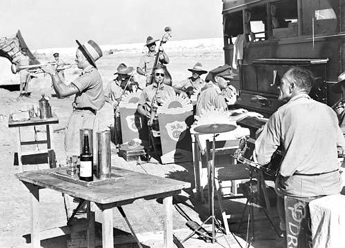 Концерт под открытым небом в Эль-Аламейне. Октябрь 1942 г.