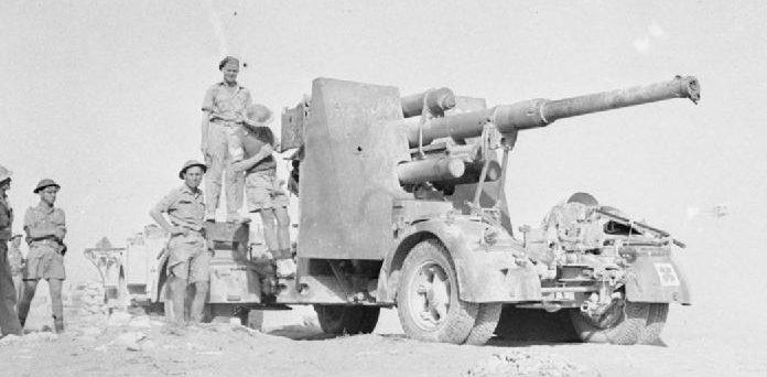 Захваченное немецкое 88-мм орудие. 3 ноября 1942 г.