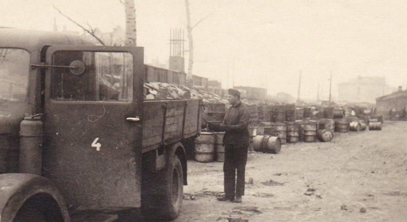 Железнодорожная станция. Март 1943 г.
