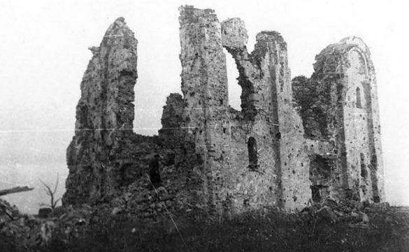 Руины церкви Спаса на Нередице. 1944 г.
