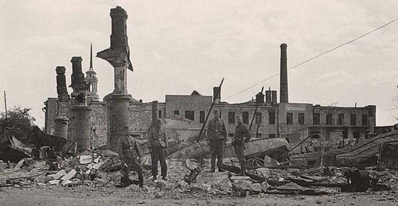 Развалины цирка. 1942 г.