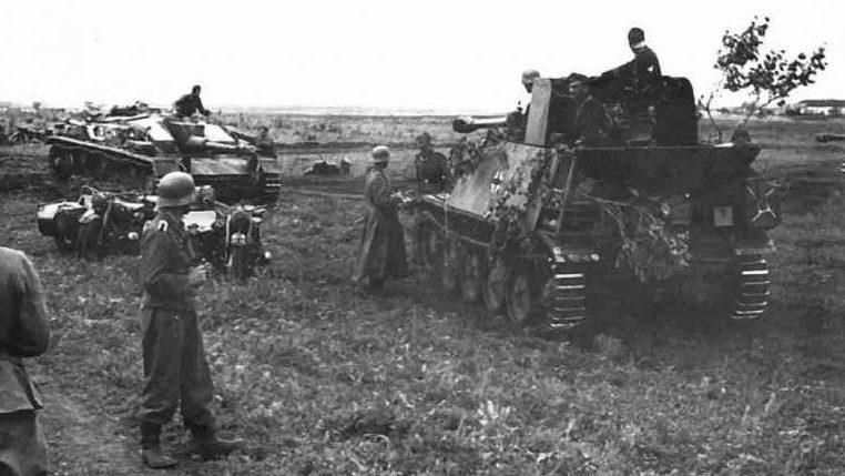 Немецкие САУ и танки в обороне Орла. Июль 1943 г.