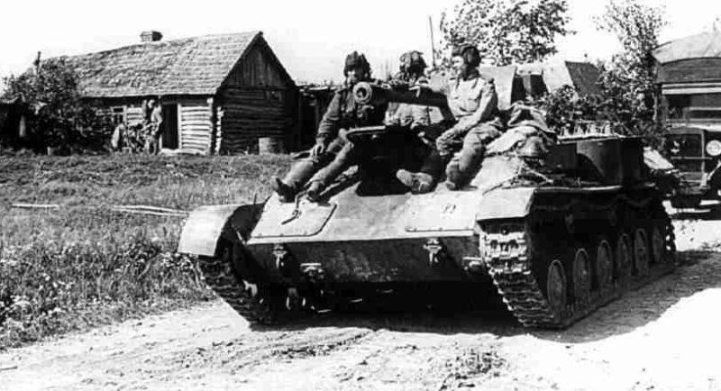 Советские танки в Орловской наступательной операции. Июль 1943 г.