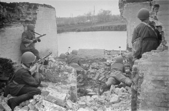 Бой за город. 1942 г.