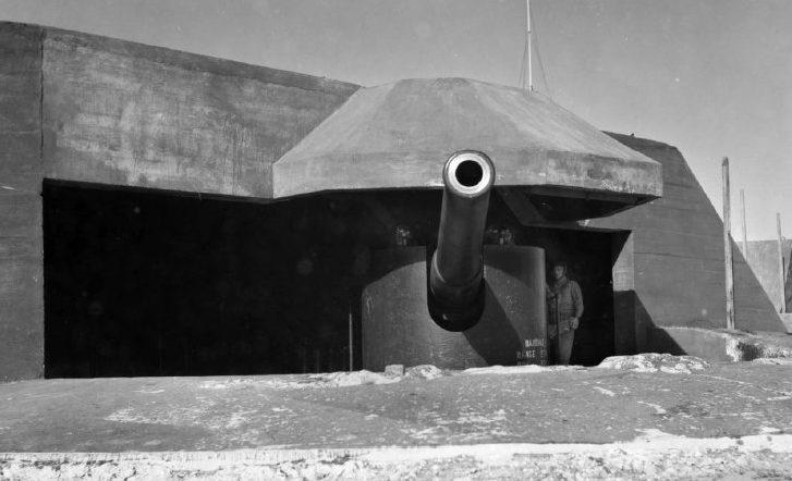 6-дюймовое орудие в форте Непин. Апрель 1943 г.