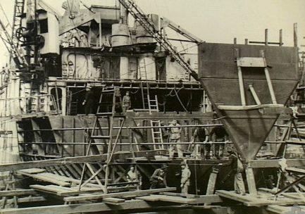 Ремонт американского корабля «LST-469» в Сиднее. Август 1943 г.
