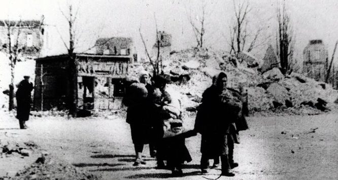 Возвращение беженцев. Март 1943 г.