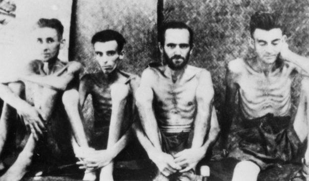 Австралийские и голландские военнопленные в Тарсау, Таиланд. 1943 г.