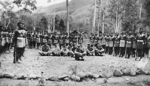 Члены папуасского батальона. 31 марта 1944 г.