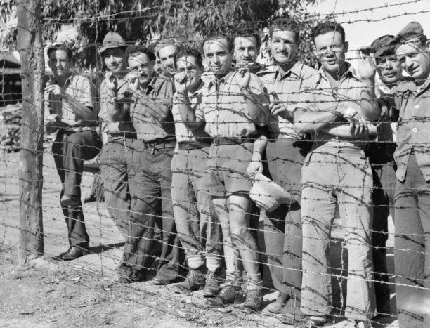 Итальянские военнопленные в лагере для военнопленных и интернированных в Ливерпуле. 21 ноября 1945 г.