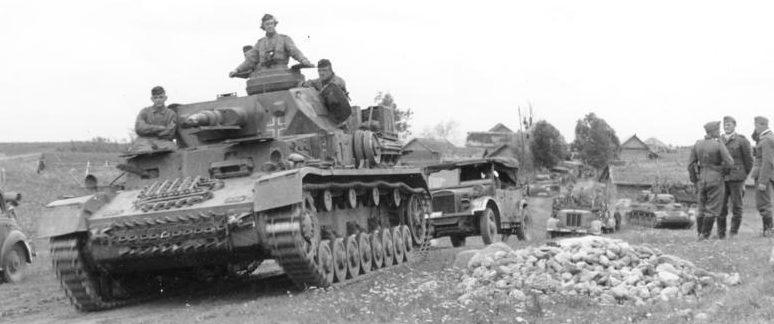 Немецкие танки под Витебском.