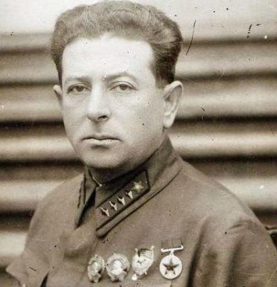 Начальник ГУПП РККА с 16.07.1941 по 12.06.1942 - Мехлис Л.З.