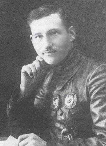 Второй командующий фронтом М. Г. Ефремов.
