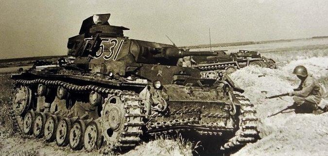 Подбитый немецкий танк Т-III на Буйнчиском поле.