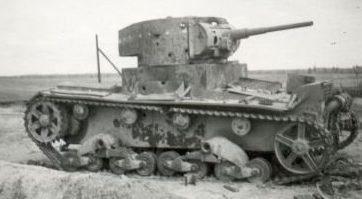 Уничтоженный советский танк под Гродно. 19 сентября 1939 г.