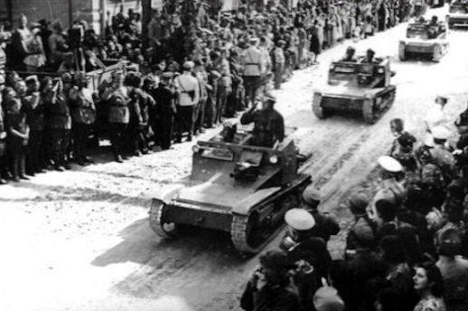 Болгарские войска входят в Южную Добруджи. Сентябрь 1940 г.