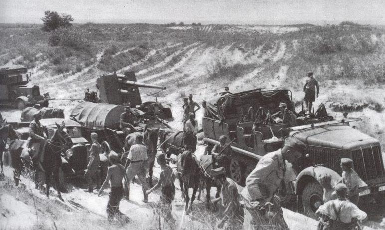 Немецкие войска замыкают кольцо вокруг Киева.