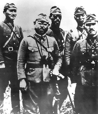 Японские офицеры на Кыске.