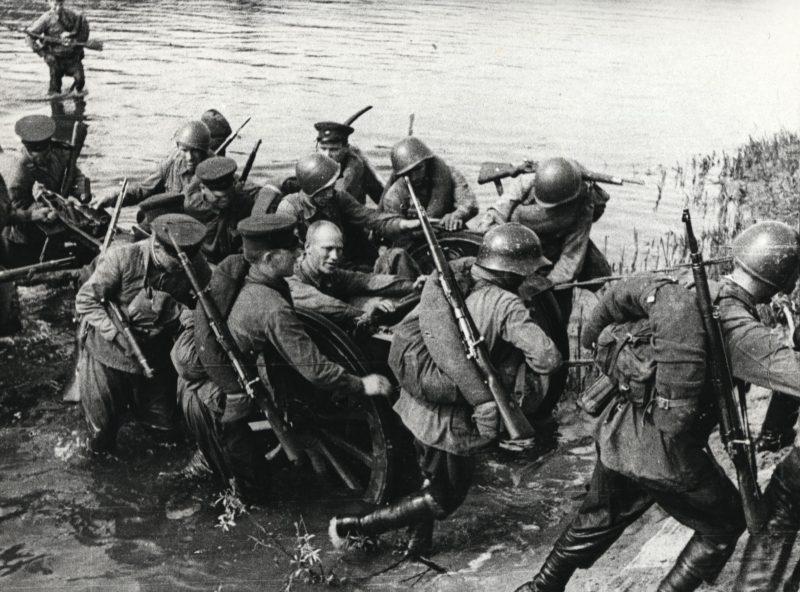 Переправа через р. Угру. Осень 1941 г.