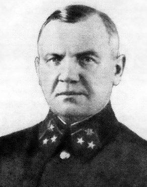 Начальник связи фронта генерал-майор А.Т. Григорьев.
