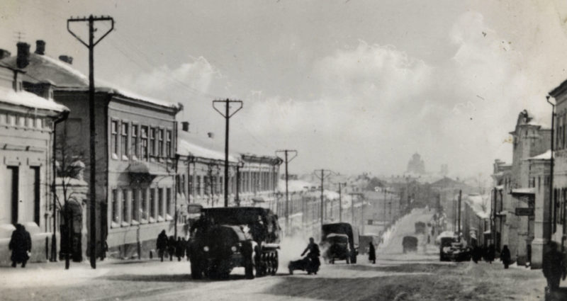 Немецкие войска на улице Ленина. 3 октября 1941 г.