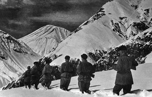 Советские войска в боях за Кавказ.