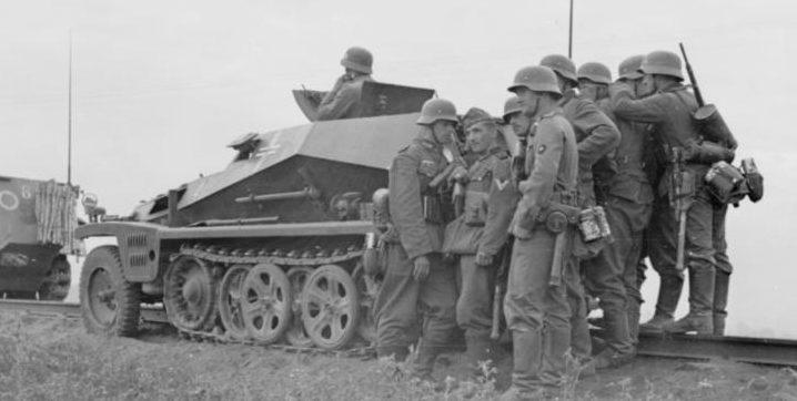 Немецкие войска вышли на рубеж реки Днестр.